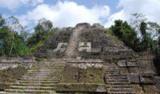 Travel Belize: WAVEJourney Explores Lamanai Outpost Lodge!