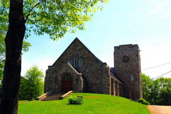 Enjoy the unique towns and villages in the Eastern Townships