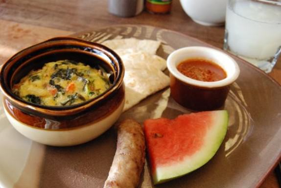 Breakfast at Lamanai Outpost Lodge