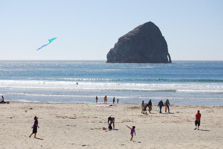 pacific oregon dune coast haystack surfing rock wavejourney