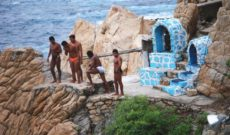 Cliff Divers in Acapulco, Mexico | WAVEJourney Travel Tip