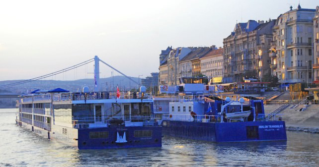 Arriving in Budapest - Docking on the Pest Side