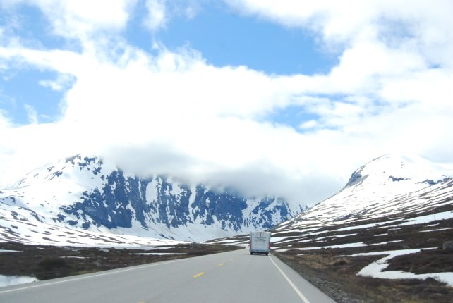 Driving the E15 from Lom to Geiranger
