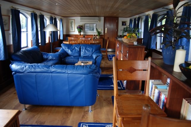 Magna Carta Luxury Canal Barge Cruises - Salon