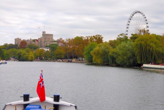 Magna Carta Luxury Canal Barge Cruises the River ThamesTowards Windsor