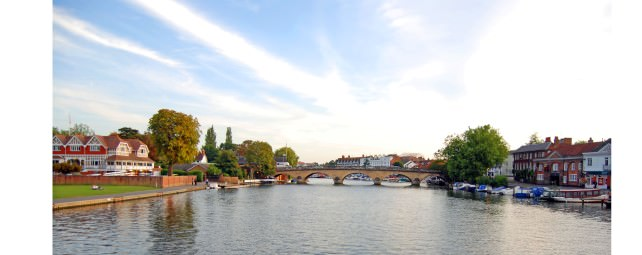 Magna Carta Cruises the River Thames in Henley-on-Thames