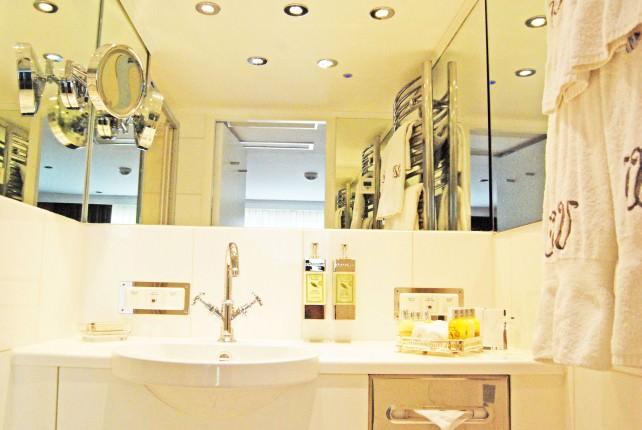 Uniworld River Princess Suite 412 Bathroom