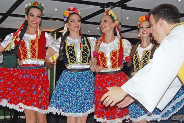 Talija - Serbian Folklore Music and Dancing