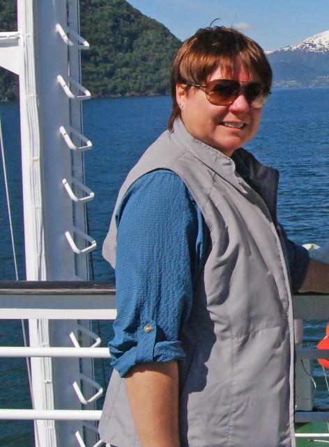 Scottevest Women's Travel Vest - Fully Loaded