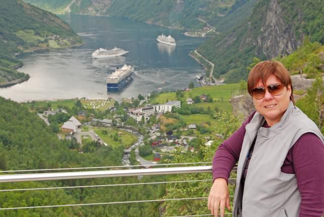 Viv Tests Scottevest's Women's Travel Vest