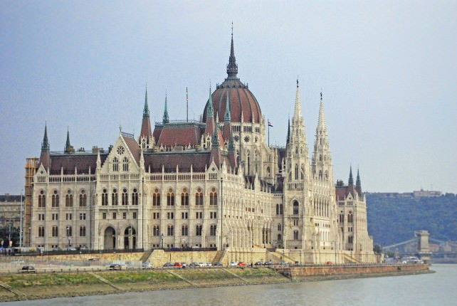 WJ Tested: Travel Tips for Budapest Parliament Building Guided Tour