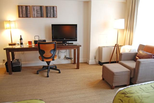 Hotel Adagio Guestroom