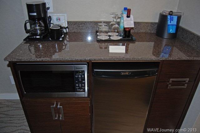 Pinnacle Hotel - Guestroom Bar Area