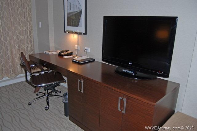 Pinnacle Hotel Guestroom Desk