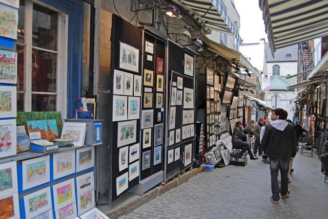 Auberge Place d'Armes is Located Near Rue du Tresor