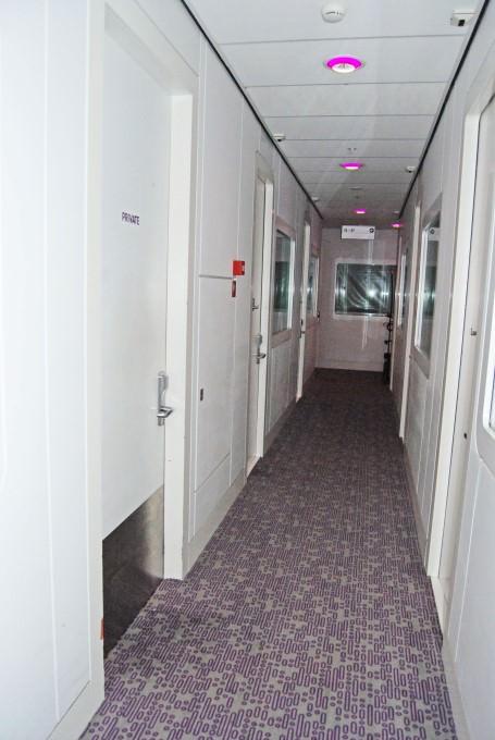 Yotel Schiphol Airport - Corridor