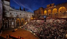 Travel France – Avignon Theater Festival