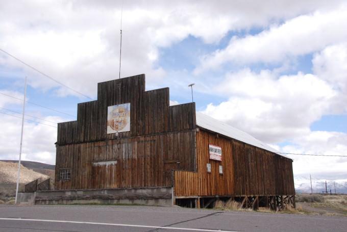 Honey Lake Feed Barn