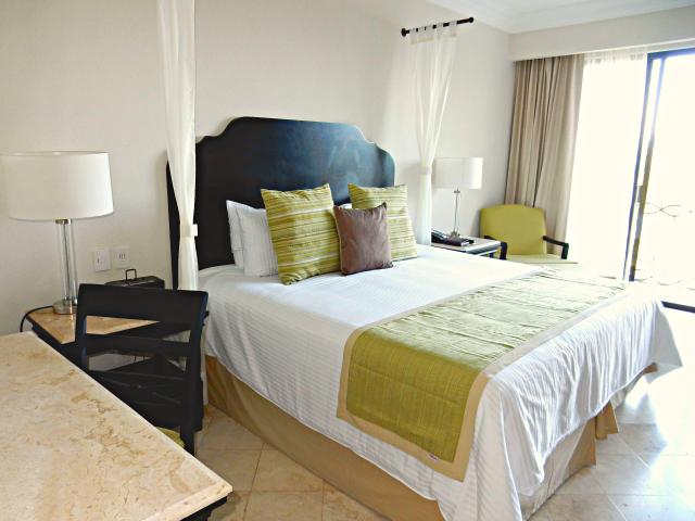 Dreams Los Cabos Honeymoon Suite Bedroom