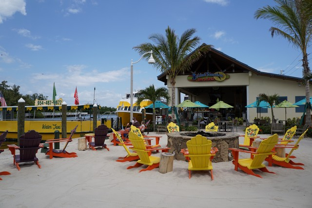 Water Taxi stops at Margaritaville in Hollywood