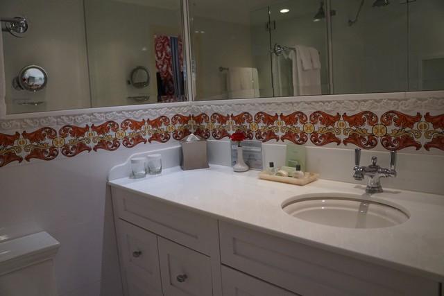 Chesterfield Palm Beach - Marble Bathroom