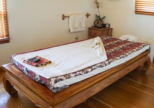Echo Valley Ranch Cariboo Spa - Thai Massage Table