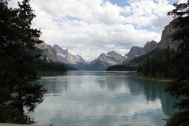 Travelling the Most Scenic Mountain Route in Canada - From Jasper to Banff