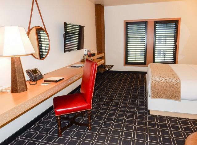 Hotel Valencia Santana Row - Large Desk Area