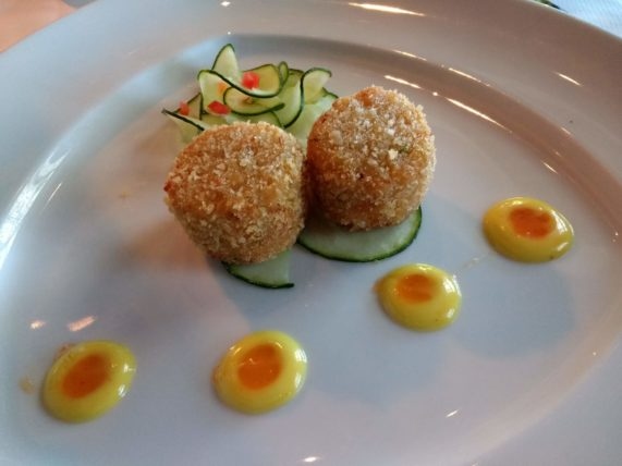 Pinnacle Grill Crab Cakes with a Sweet Chili-Mustard Sauce
