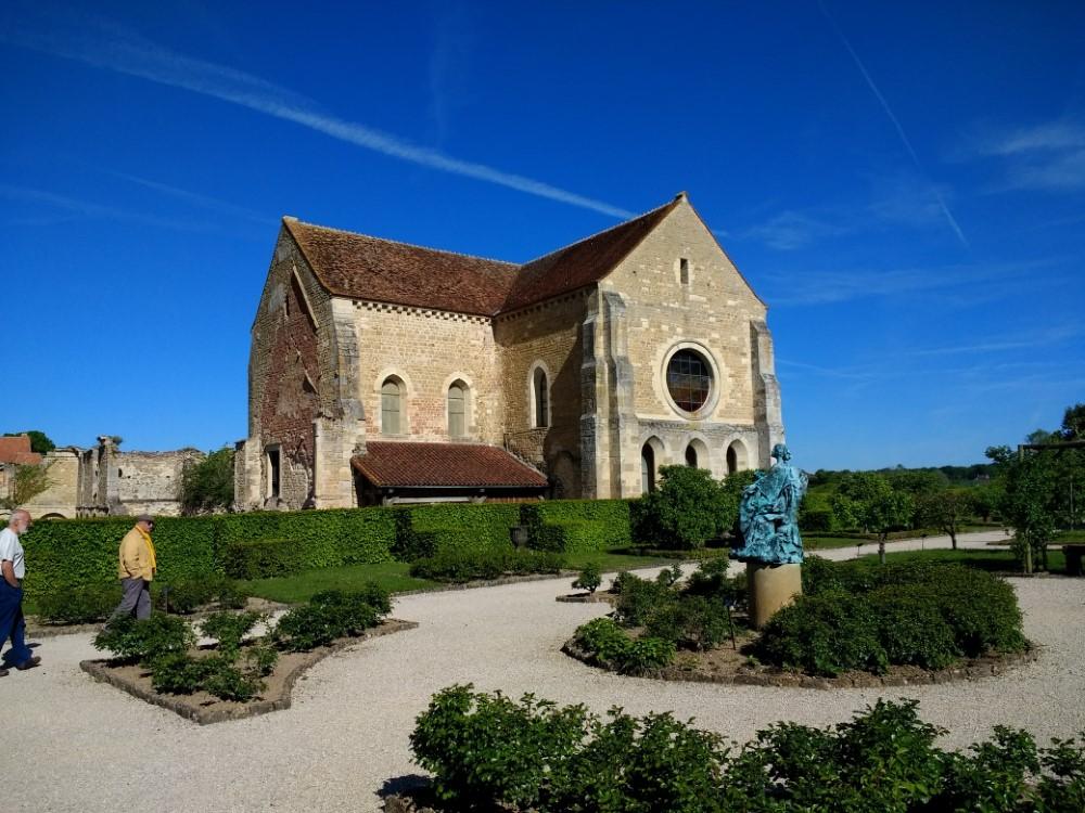 Fontmorigny Abbey Excursion